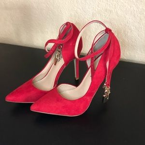 Beautiful red pumps Just Fab NEVER WORN
